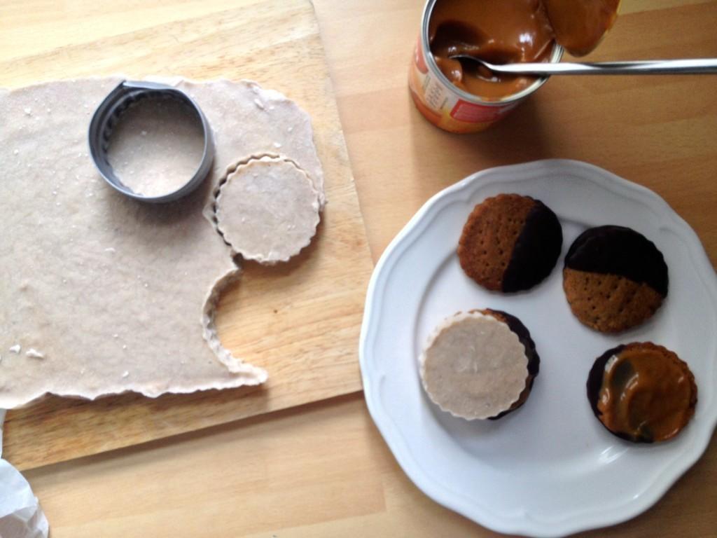 Banoffee Icecream Sandwiches recipie