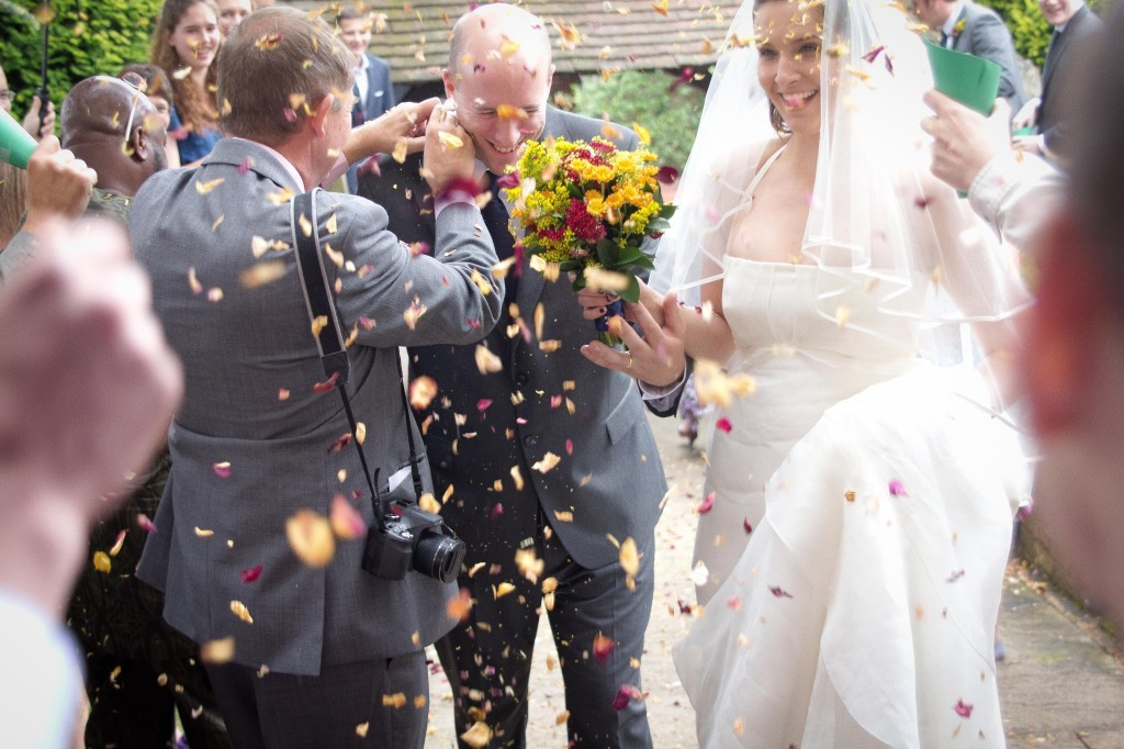 Confetti used in our wedding, DIY your own confetti cones crate!