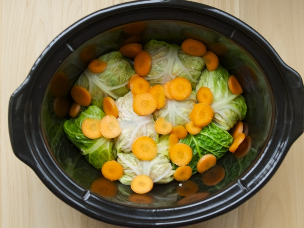 Slow cooker cabbage rolls (called little pigeons in Lithuanian)