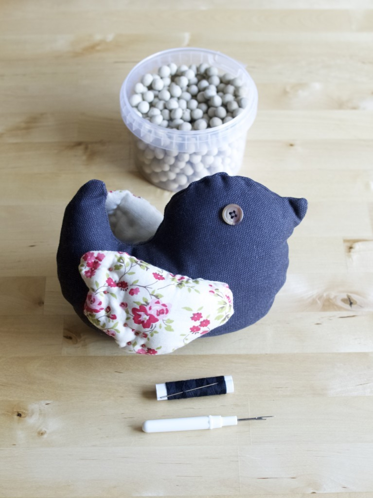 How to transform a stuffed toy into a door stopper, step-by-step DIY guide