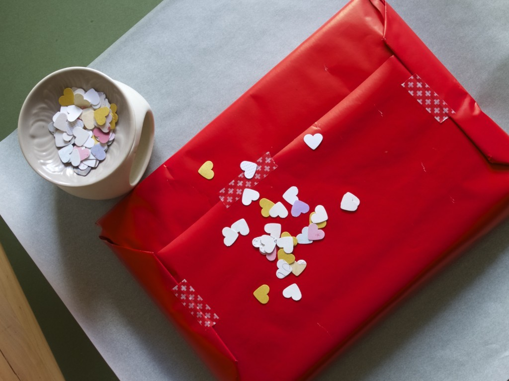 Confetti gift packaging idea