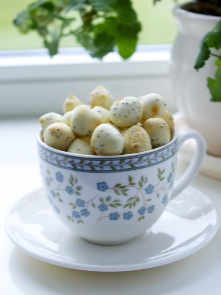 How to make Kūčiukai (Lithuanian Christmas Eve biscuits)