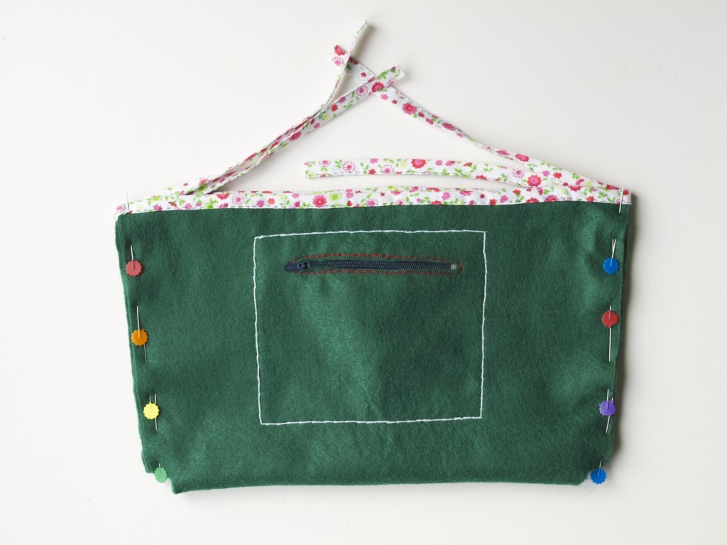 Bag organiser insert made without the use of sewing machine