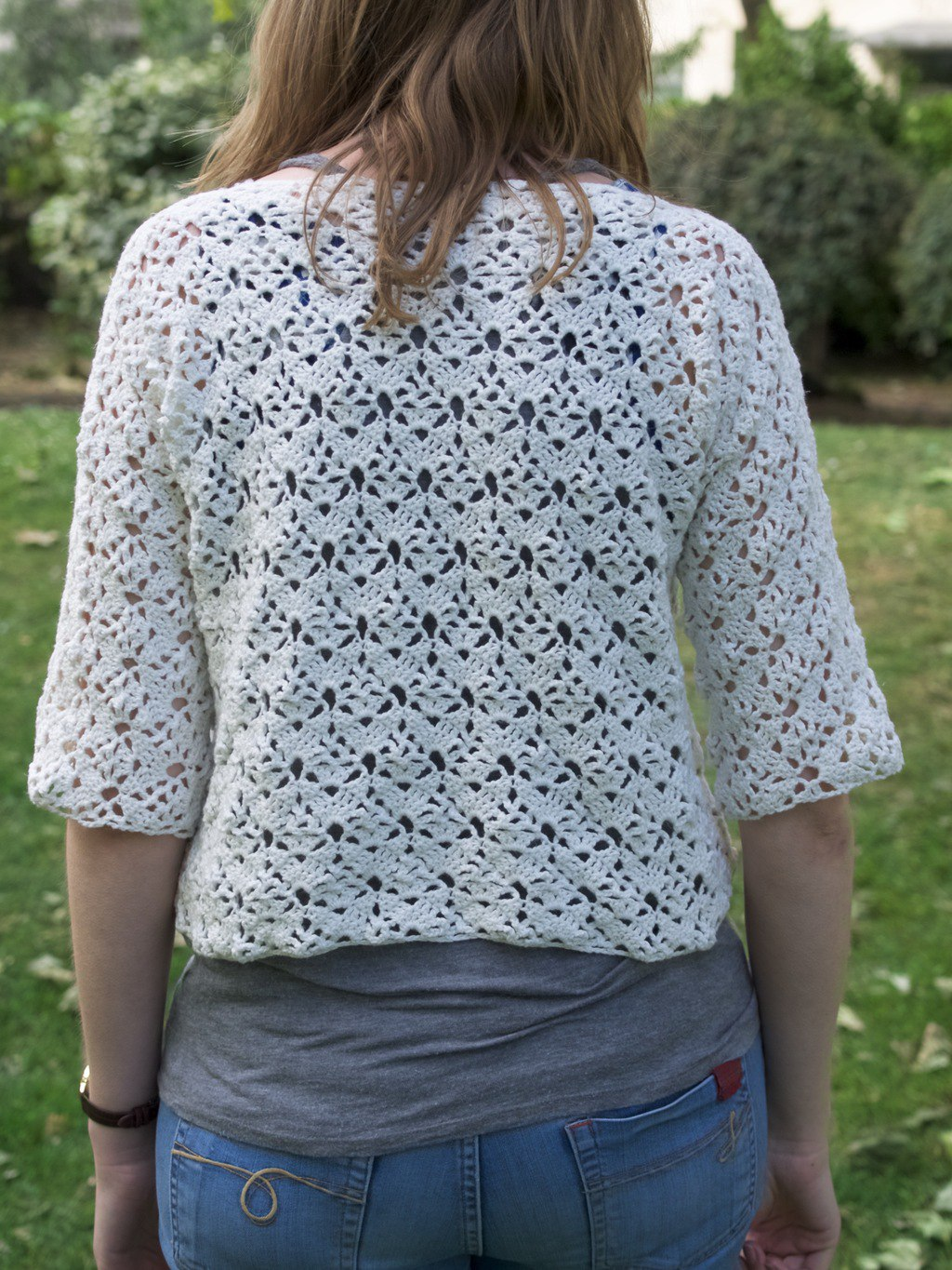 Crochet this lacy crop top - Friendly Nettle