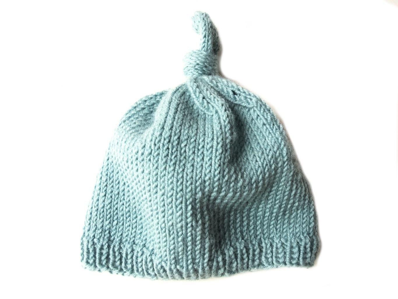 Baby Knot Hat Knitting Pattern : Newborn Baby Knot Hat - Friendly Nettle