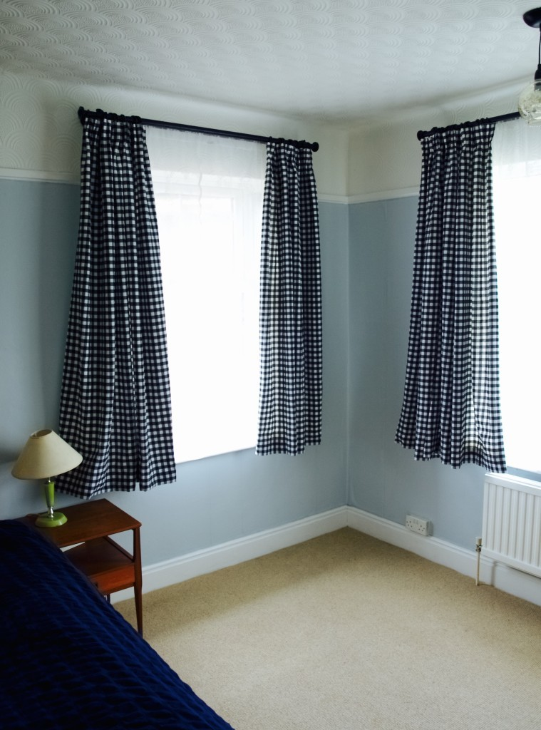 Basic curtain DIY