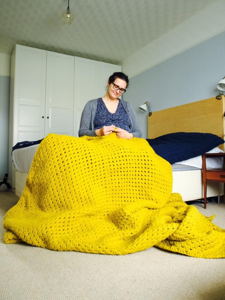 Crochet your own giant bed blanket