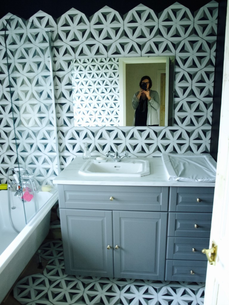 How we tiled the bathroom with hexagon tiles - Friendly Nettle
