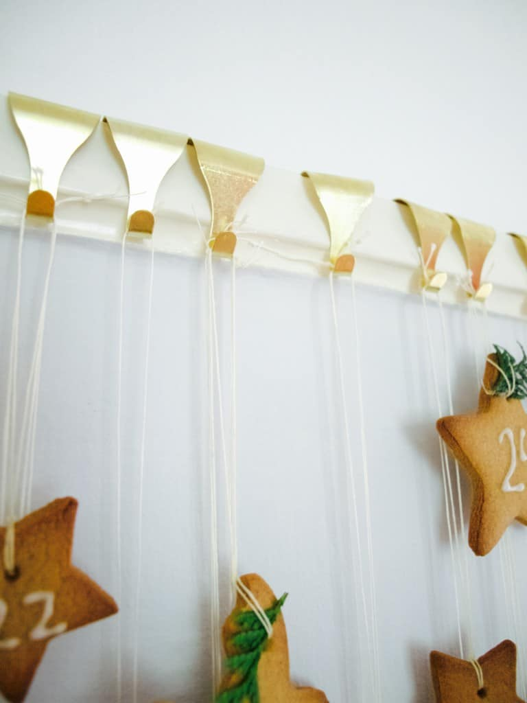How to make gingerbread cookie advent calendar