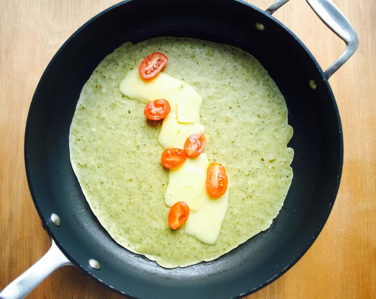 Pesto crepes filled with cheese recipe