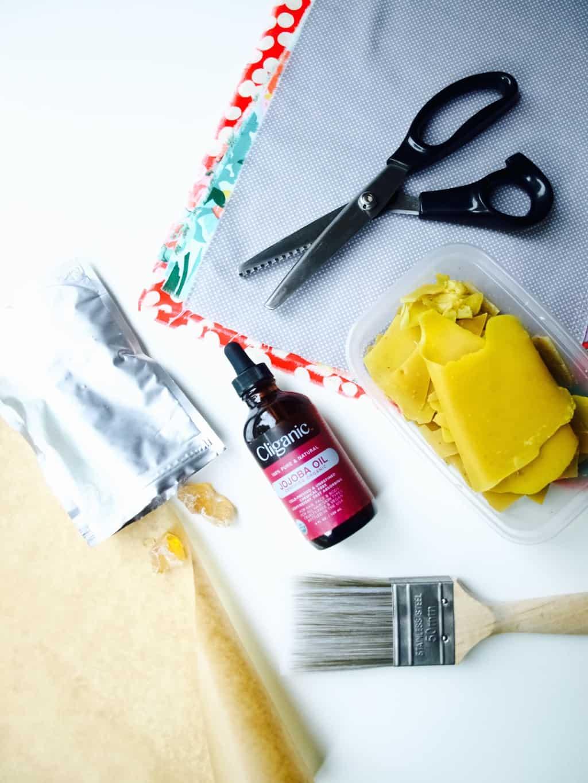 Reusable food wrap DIY (with wax and resin)