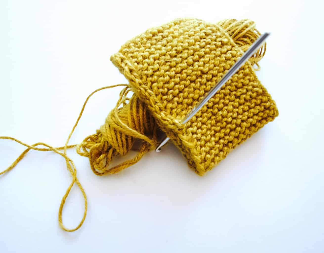 Knitted scrubby pouches